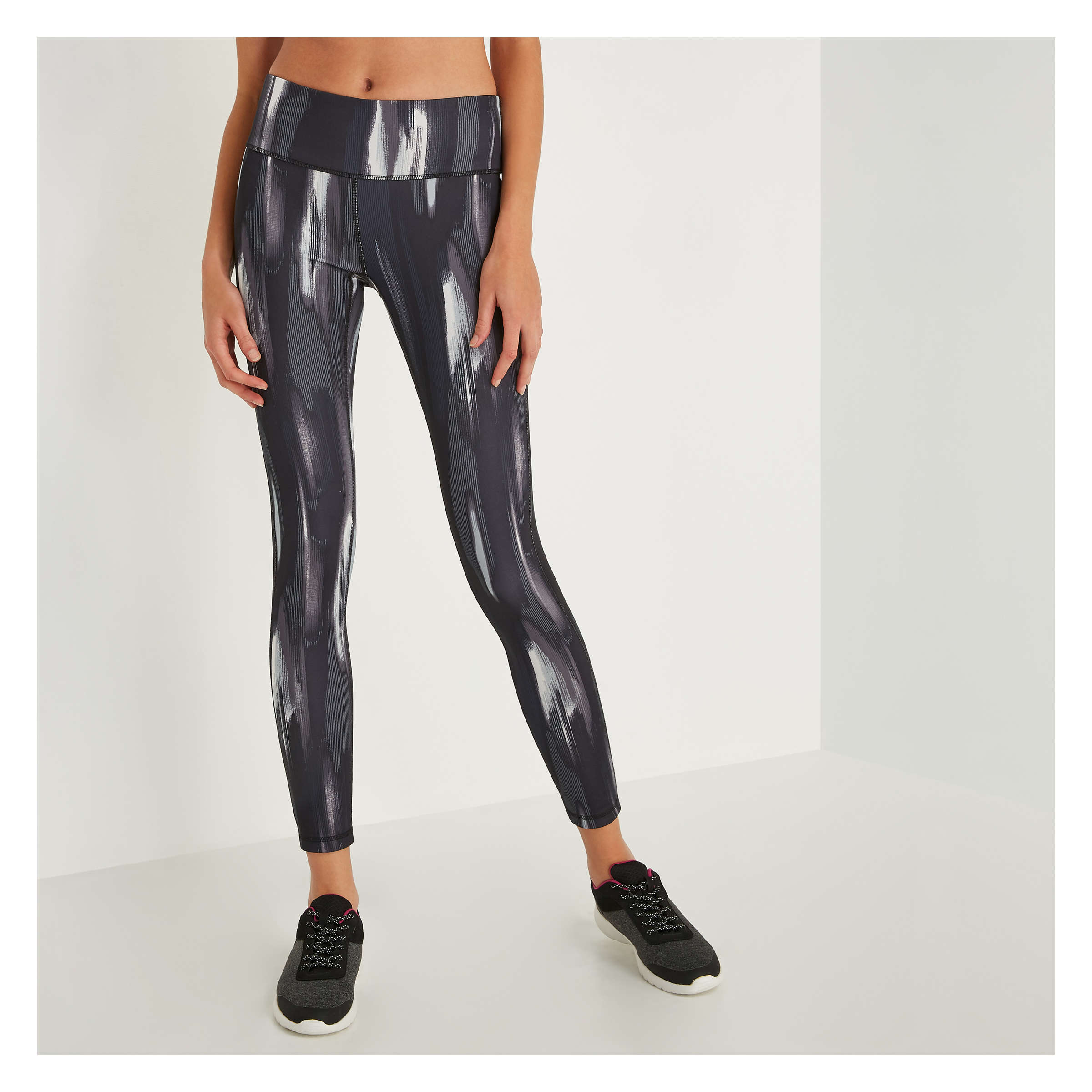 1a1ca01ab2e87 Reversible Active Legging in Black from Joe Fresh