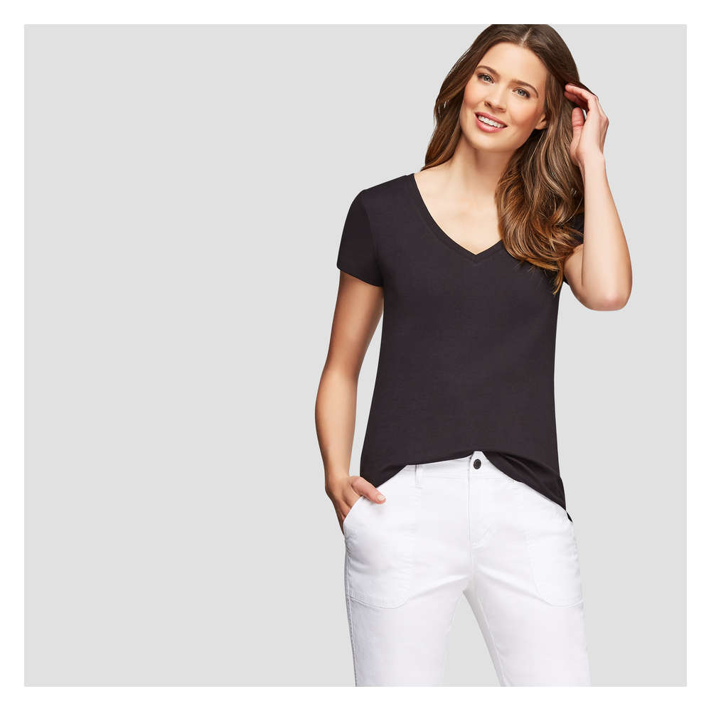 98e97b2591 Essential V-Neck Tee in JF Black from Joe Fresh